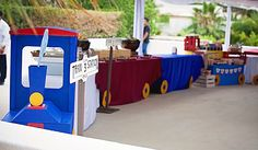 Awesome train party - The locomotive is a photo booth and the train cars are food tables! Thomas The Train Birthday Party, Trains Birthday Party, Train Party, 2nd Birthday Parties, Birthday Ideas, Christmas Train, Baby First Birthday, Food Tables, Locomotive