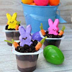 This is a QUICK and EASY treat idea perfect for Easter or Spring parties.  These cute little bunnies are planting candy carrots in Oreo dirt.