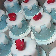 Mini Cakes - Kathy Dvorski  How cute - looks like a snowflake cutter for the top piece.  Perfect colors!