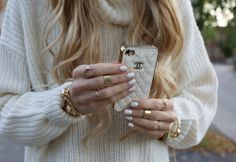 Katie's Gift Guide: 7 iPhone Cases Your Phone Obsessed Friends Will Love | Lovelyish