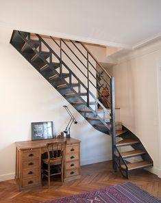 Photo DT29 - ESCA'DROIT® 1/4 tournant Intermédiaire. Escalier d'intérieur en métal et bois au design industriel et vintage.