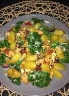 Mangold recept - 27 recept - Cookpad receptek Vegetables, Food, Vegetable Recipes, Eten, Veggie Food, Meals, Veggies, Diet