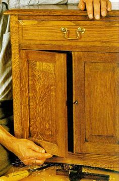 Traditional Oak Cabinet Plans - Furniture Plans and Projects | WoodArchivist.com
