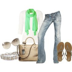 love how the green scarf is thrown to this outfit, it makes it all come together!!