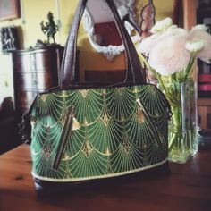 lady_maloya Et un ptit nouveau pour agrandir ma collection 😍 patron sacotin Java /tissus : Sophie Ferjani pour mondial tissus #sacotin #sacotinjava #mondialtissus #sophieferjani #couture #sewing #coutureaddict #handbag