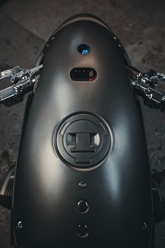 A garage for special motorcycles and cafe racers Custom Cafe Racer, Bmw Cafe Racer, Garage Design, Bike Design, Ducati Monster 1000, Bmw 328, Custom Trikes, Bmw K100, Nine T