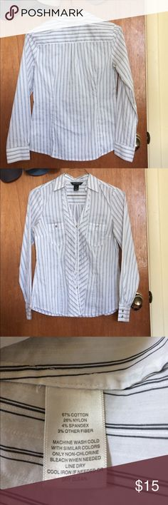 Fitted BH/WM V- Neck Business Blouse WH/BM blouse, white with Black pinstripes. Very Fitted, darts in Front and Back. Button front . Cute front detail on front.  EUC. Tops Blouses