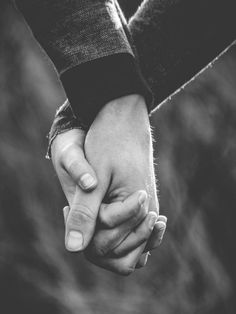 Couple Holding Hands Love People Fresh Couple In Love Love Winter Loveshoot Idea S Inspiration Hands - Popular Photos