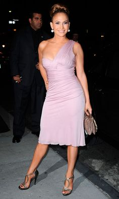 Jennifer Lopez Looks Fabulous In A Pink Versace Dress Just 6 Months After Giving Birth, 2008
