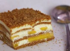 How to Make a Mango Float. A mango float is a delicious traditional Filipino dessert. Mango floats are quick, easy, and cheap to make. No baking necessary! Milk Recipes, Cake Recipes, Dessert Recipes, Mango Float Filipino, Mango Float Recipe Filipino Desserts, Mango Graham Cake, Refreshing Desserts, Decadent Cakes, Cookies