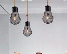 Závesné lanové svietidlo s čiernou klietkou v tvare žiarovky, 30cm (3) Ceiling Lights, Lighting, Home Decor, Decoration Home, Room Decor, Lights, Outdoor Ceiling Lights, Home Interior Design, Lightning