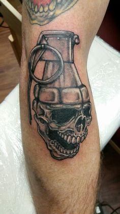 Lee wiedemeier tattoo independent body works skull grenade Skull Tattoo Design, Skull Tattoos, Body Art Tattoos, Sleeve Tattoos, Tattoo Designs, Brass Knuckle Tattoo, Knuckle Tattoos, Granate Tattoo, Badass Tattoos