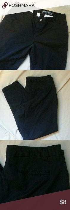 CASUAL CARGO STYLE PANT COTTON. GREAT FOR WORK OR CASUAL.WORN TWICE. Faded Glory Pants Straight Leg