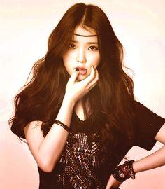 Oh Damm girl killing it IU Korean Beauty, Asian Beauty, Korean Celebrities, Celebs, Korean Girl, Asian Girl, Korean Actresses, Vintage Beauty, Queen
