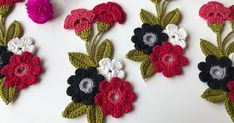 Jogo de Banheiro de Crochê: 56 Modelos com Passo a Passo | Revista Artesanato Crochet Puff Flower, Crochet Flower Patterns, Flower Applique, Crochet Flowers, Knitting Patterns, Floral Patterns, Tulips Flowers, Tiny Flowers, Popular Crochet