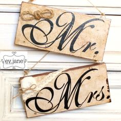 Mr & Mrs Wooden Sign / Rustic Patina Vintage by evjanewalldecor