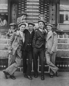 Stoops of Philadelphia: Photo essay of Philadelphia, 1910-1940