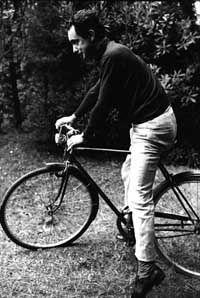 Italo Calvino in bicicletta