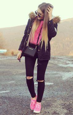 Outfit del día:Sweet pink sweater outfit, Look dulce con sueter rosado   Este es un look muy bonito, y quien no tiene un sueter parecido a...