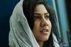 http://img.nowrunning.com/content/movie/2016/kadhalum-k/stills/kadhalum-kadanthu-pogum-movie-28.jpg