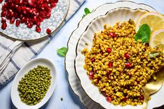 Healthy snack for when the munchies strike Healthy Foods To Eat, Healthy Snacks, Healthy Eating, Healthy Recipes, Eating Habits, Chana Masala, Sprouts, Spices, Health Fitness