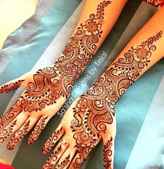 Arabic mehndi art is one of the most recognised trends in our country. Applying mehndi is a significant part of festivals, weddings, and special occasions. Best Arabic Mehndi Designs, Full Hand Mehndi Designs, Henna Art Designs, Wedding Mehndi Designs, Mehndi Designs For Fingers, Dulhan Mehndi Designs, Beautiful Henna Designs, Latest Mehndi Designs, Arabic Design