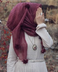 Pinterest: @adarkurdish Stylish Hijab, Casual Hijab Outfit, Hijab Chic, Hijabi Girl, Girl Hijab, Pakistani Fashion Casual, Hijab Fashion, Girl Fashion, Hijab Gown