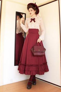 Inspo Album: Vintage Holidays - Imgur Pretty Outfits, Pretty Dresses, Cute Outfits, Emo Outfits, Old Fashion Dresses, Fashion Outfits, Fashion Hats, Victorian Fashion, Vintage Fashion