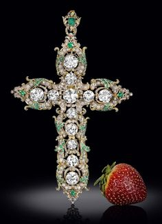 By Isabelle Kellogg in New York A cross and ring belonging to Pope Paul VI (1963-1978), both heavily embellished with diamonds, emeralds and rubies, is being offered for sale by M.S. Rau Antiques in New Orleans as Holy Week approaches.