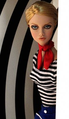 Twiggy (Poppy repaint) by Peewee Parker on flickr