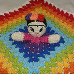 #fridakahlo #crochet #tejido #handmade #color #rainbow #frida #amigurumi #mantadeapego #ganchillo #hilos #crochetaddict  by ferchuzlandia