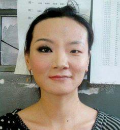 Mit Augen Make-up und künstlichen Wimpern kann man den Augen im Nu mehr Ausdruckskraft verleihen!