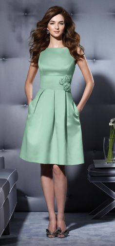 Ideas for the light green bridesmaid dresses!