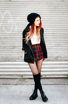 What I'd Wear: The Outfit Database  (source: Le Happy )