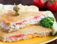 Light tuna croque-monsieur - Light Recipe - Main and Recipe - Weight Watchers Light Tuna Snack, a delicious light sandwich that& easy to make in under 15 m - Ww Recipes, Light Recipes, Low Carb Recipes, Healthy Recipes, Weight Watchers Menu, Weigth Watchers, Vegetarian Lunch, Evening Meals, Tapas