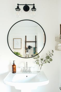 Ideas Bathroom Mirror Makeover Modern Farmhouse For 2019 Mold In Bathroom, Boho Bathroom, Modern Bathroom Design, White Bathroom, Bathroom Interior, Bathroom Ideas, Master Bathrooms, Pedestal Sink Bathroom, Bathroom Designs