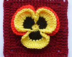 Transcendent Crochet a Solid Granny Square Ideas. Inconceivable Crochet a Solid Granny Square Ideas. Point Granny Au Crochet, Crochet Squares Afghan, Crochet Motifs, Crochet Blocks, Granny Square Crochet Pattern, Crochet Flower Patterns, Crochet Flowers, Crochet Stitches, Knit Crochet