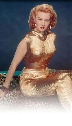 Rhonda Fleming at her sexiest.