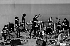 """O """"Música Muda"""", um festival que reúne apenas grupos de rock instrumental, convida o público para se divertir ao som de bandas nacionais e internacionais."""