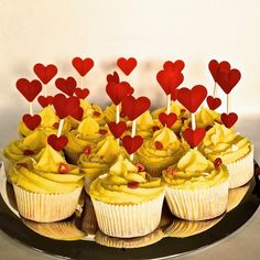 Cupcakes au citron pour la St-Valentin / Valentine lemon cupcake recipe and tutorial