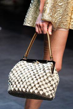 Dolce & Gabbana Spring 2014 Ready-to-Wear Collection Photos - Vogue Bag Crochet, Crochet Purses, Dolce & Gabbana, Handbag Accessories, Fashion Accessories, Classic Handbags, Vogue, Cheap Bags, Knitted Bags
