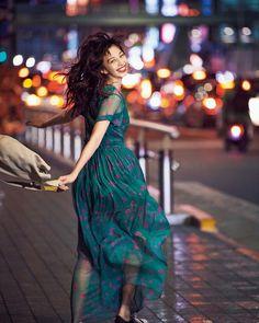 """(画像1/4) 中条あやみ/「CanCam」6月号(画像提供:小学館) - 中条あやみ、""""特別な場所""""明かす Japanese Models, Japanese Girl, Portrait Photography, Fashion Photography, Night Portrait, Korean Aesthetic, Japan Fashion, Comfortable Outfits, Beautiful Outfits"""