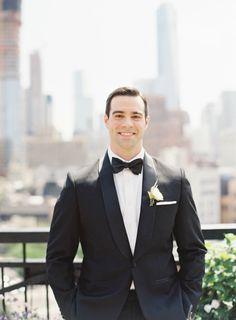great groom style | classic black tuxedo and bowtie