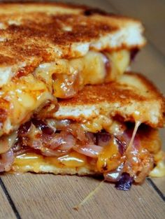Sweet and Spicy Caramelized Onion BBQ Grilled Cheese. Lots of grilled cheese sandwich ideas on this site! Fruit, bacon, etc. Making Grilled Cheese, Grilled Cheese Recipes, Grilled Cheeses, Best Grilled Cheese, Grill Cheese Sandwich Recipes, Think Food, Love Food, Food Porn, Tasty