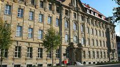 Hotel A O Leipzig Hauptbahnhof Leipzig Leuk en verzorgd budgethotel, voor wie niet te veel eisen stelt aan de accommodatie. Eenvoudig maar degelijk, met vriendelijk personeel en aantrekkelijke prijzen. - See more at: http://vakantienaar.eu/t-Hotel+A+O+Leipzig+Hauptbahnhof+Leipzig/Duitsland/3-Leipzig#sthash.qc4d6OII.dpuf