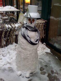 Schneefrau (c) stadtbekannt. Ladder Decor, Winter, Cute, Snowman, Kawaii
