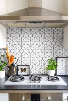 Looking for some honeycomb patterned tile for your backsplash? Our Palm Honeycomb Hex 6x7 Porcelain Tile collection is just the tile you need for your kitchen and bathroom remodel! Starting at $14.99 SQ FT this tile creates captivating visual effects through linear geometric patterns that extend across the surface.