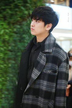 Chanwoo Ikon, Kim Hanbin, Mix And Match Ikon, Imaginary Boyfriend, Kim Dong, Young Designers, Airport Style, Yg Entertainment, Monsta X