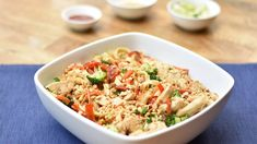 Enjoy this fast and healthy family meal, which all comes together in just 1 pot! Thai noodles are a delicious and quick weeknight dinner. Bbq Chicken Flatbread, Thai Noodles, Asian Recipes, Ethnic Recipes, Quick Weeknight Dinners, Fresh Chicken, Healthy Family Meals, Cooking Ingredients, Just Cooking