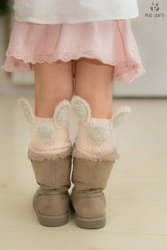Bunny Lilly leg warmers Knitting pattern by Muki Crafts – Knitting patterns, knitting designs, knitting for beginners. Knitting For Kids, Knitting For Beginners, Knitting Socks, Baby Knitting, Crochet Baby, Girls Leg Warmers, Baby Leg Warmers, Double Pointed Knitting Needles, Crochet Leg Warmers
